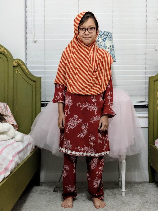 zahra in pakistani dress